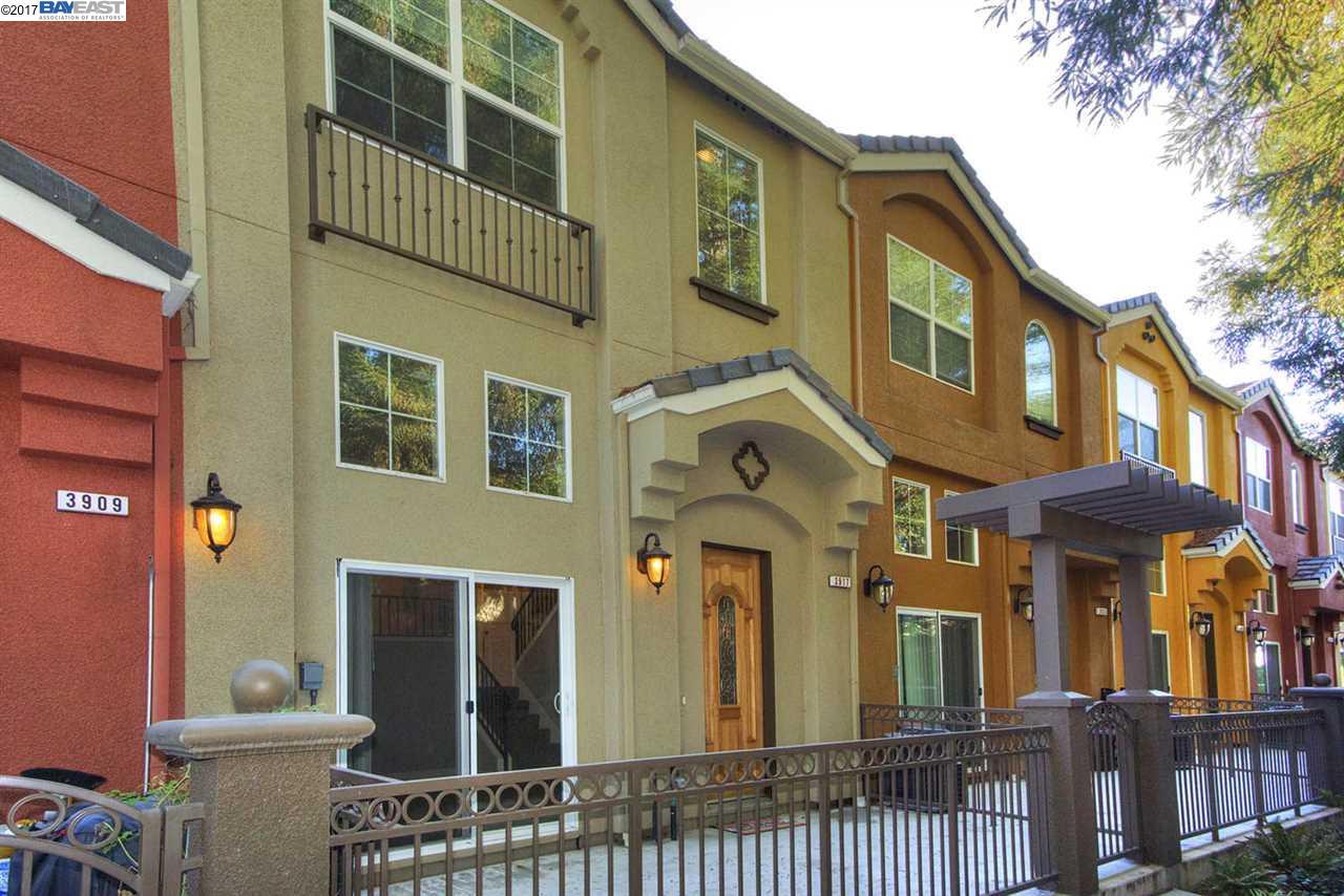 タウンハウス のために 売買 アット 3917 Borgo Cmn 3917 Borgo Cmn Fremont, カリフォルニア 94538 アメリカ合衆国