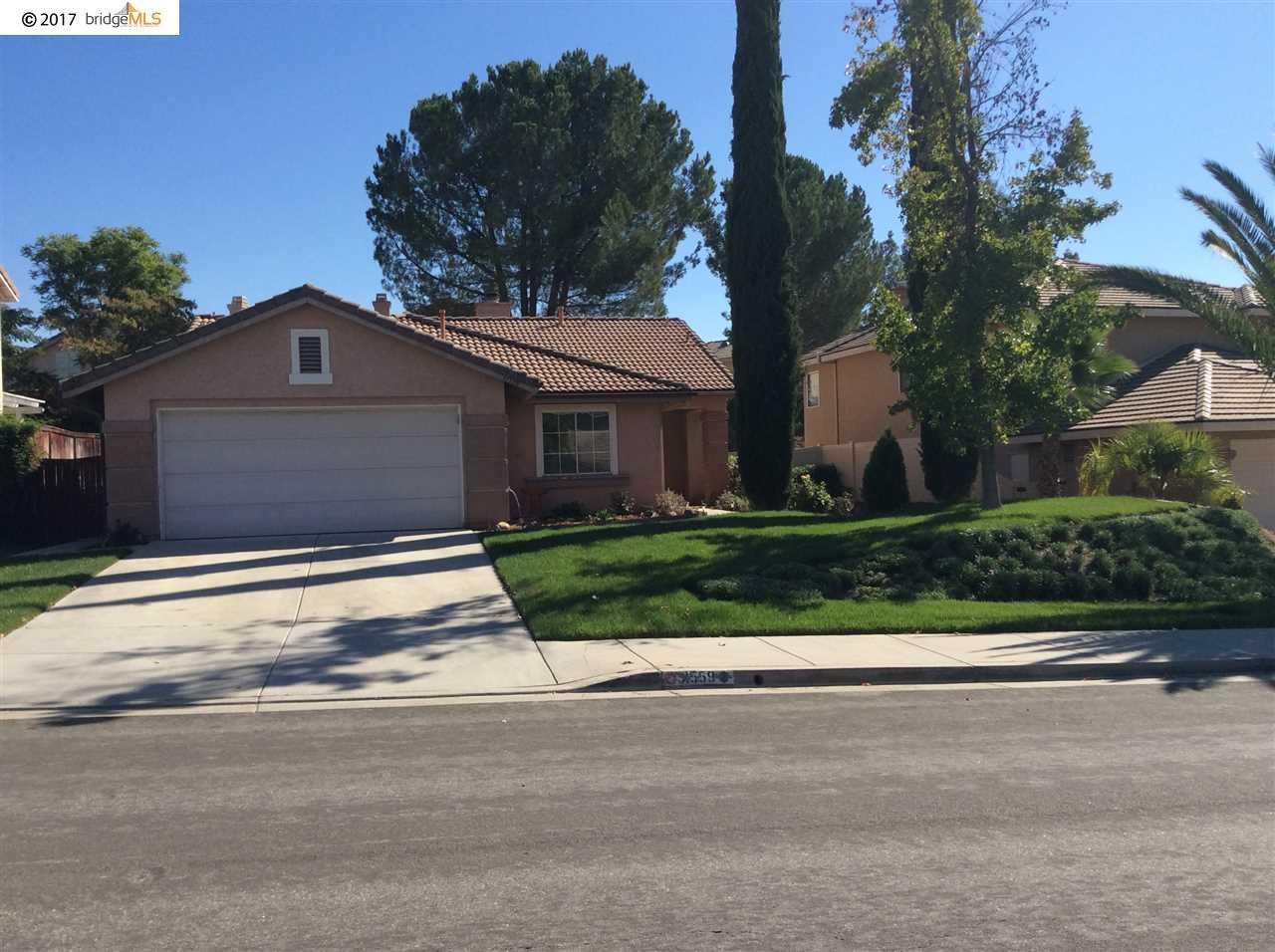 Частный односемейный дом для того Продажа на 31559 Via San Carlos 31559 Via San Carlos Temecula, Калифорния 92592 Соединенные Штаты