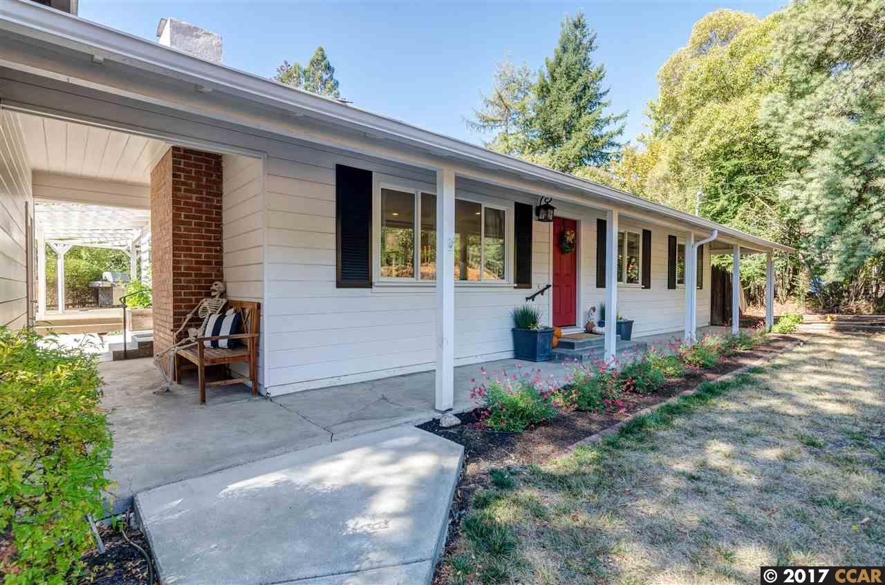 واحد منزل الأسرة للـ Sale في 325 Glorietta Blvd 325 Glorietta Blvd Orinda, California 94563 United States
