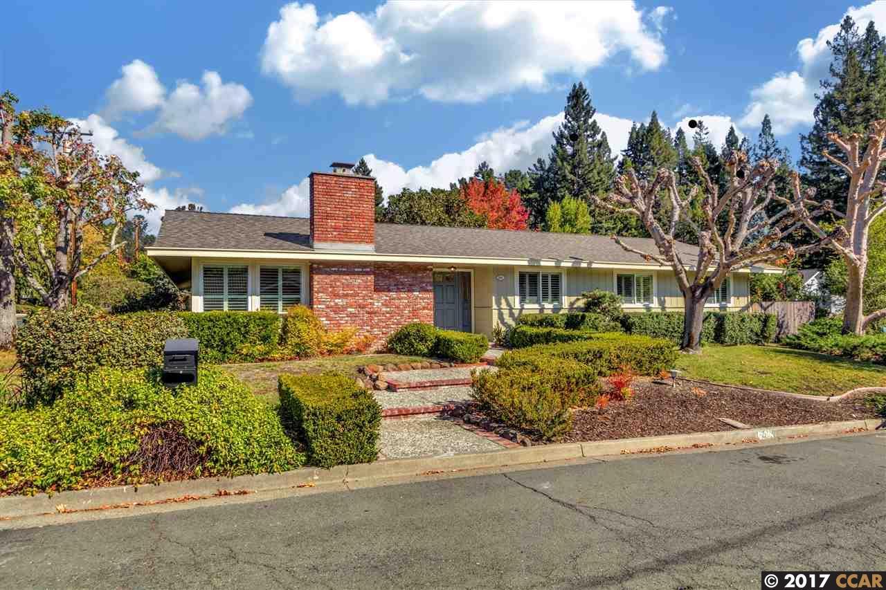 Casa Unifamiliar por un Alquiler en 241 Ivy Place 241 Ivy Place Orinda, California 94563 Estados Unidos