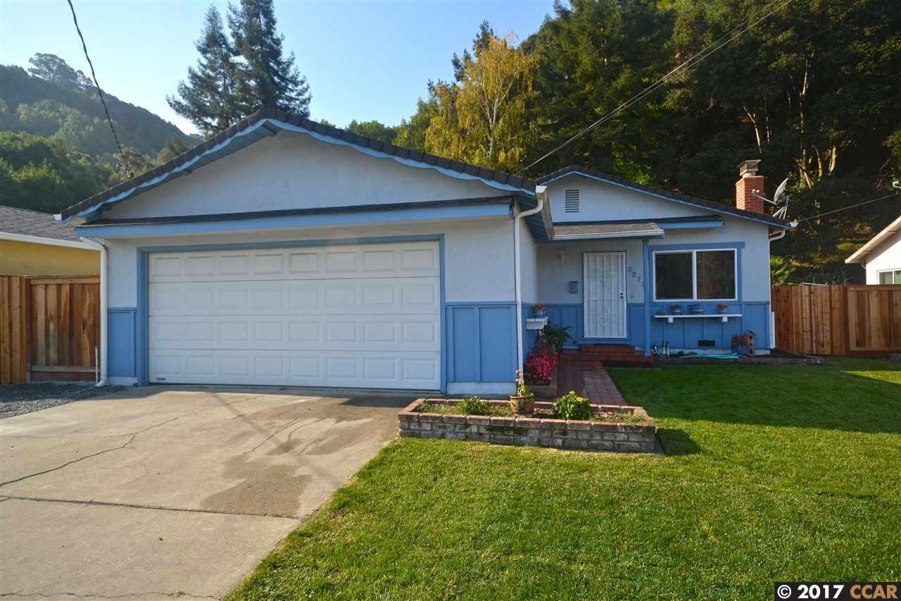 Casa Unifamiliar por un Venta en 3272 Pinole Valley Road 3272 Pinole Valley Road Pinole, California 94564 Estados Unidos