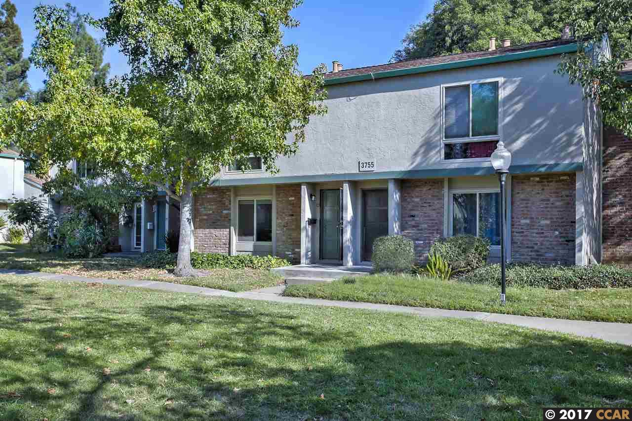 Таунхаус для того Продажа на 3755 Northwood Drive 3755 Northwood Drive Concord, Калифорния 94520 Соединенные Штаты