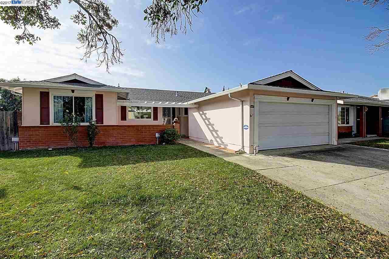 Maison unifamiliale pour l Vente à 3628 Wyndham Drive 3628 Wyndham Drive Fremont, Californie 94536 États-Unis