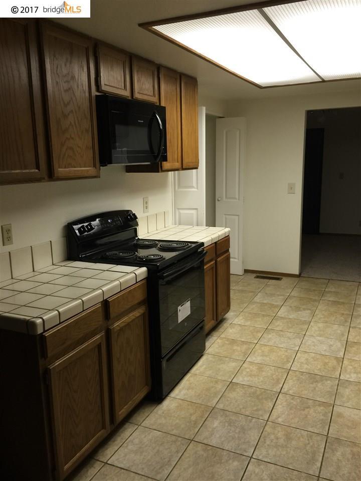 タウンハウス のために 売買 アット 32 Quail Hill Lane 32 Quail Hill Lane Richmond, カリフォルニア 94803 アメリカ合衆国