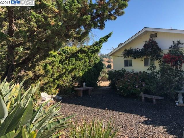 Single Family Home for Sale at 4455 E Castro Valley Blvd 4455 E Castro Valley Blvd Castro Valley, California 94552 United States