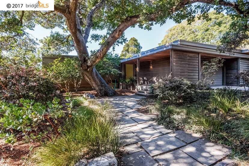 Single Family Home for Sale at 89 Southampton Avenue 89 Southampton Avenue Berkeley, California 94707 United States