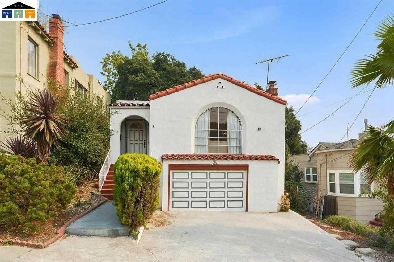 Casa Unifamiliar por un Venta en 2966 El Monte Avenue 2966 El Monte Avenue Oakland, California 94605 Estados Unidos