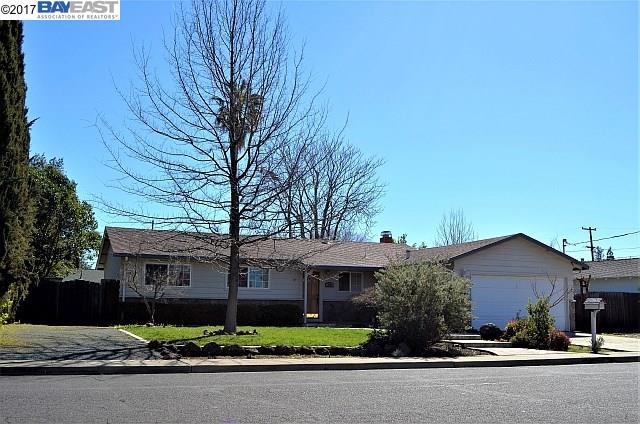 Einfamilienhaus für Mieten beim 1542 Heather Drive 1542 Heather Drive Concord, Kalifornien 94521 Vereinigte Staaten
