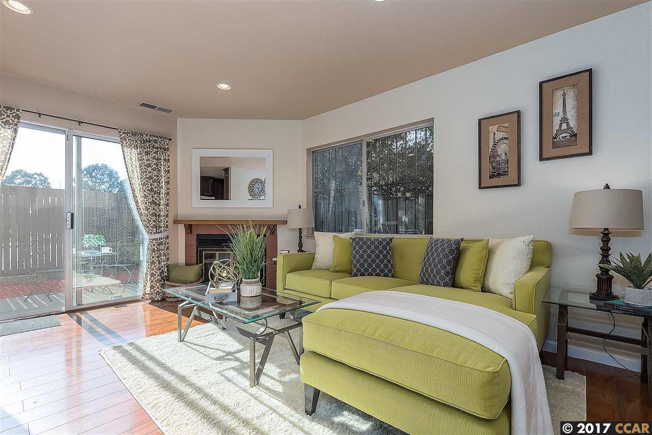 شقة بعمارة للـ Sale في 1011 PINEWOOD TER 1011 PINEWOOD TER San Pablo, California 94806 United States