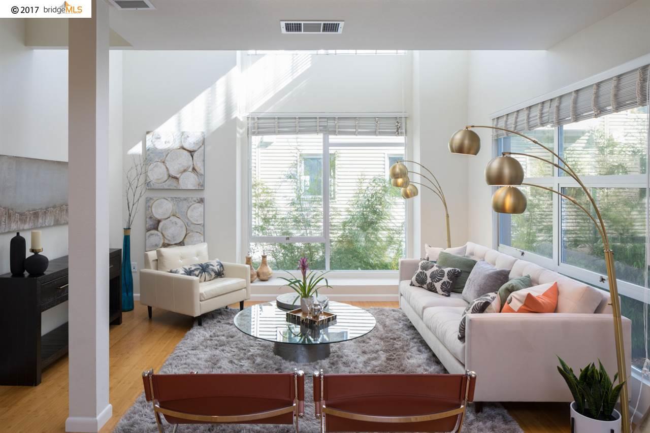 Appartement en copropriété pour l Vente à 6466 Hollis Street 6466 Hollis Street Emeryville, Californie 94608 États-Unis