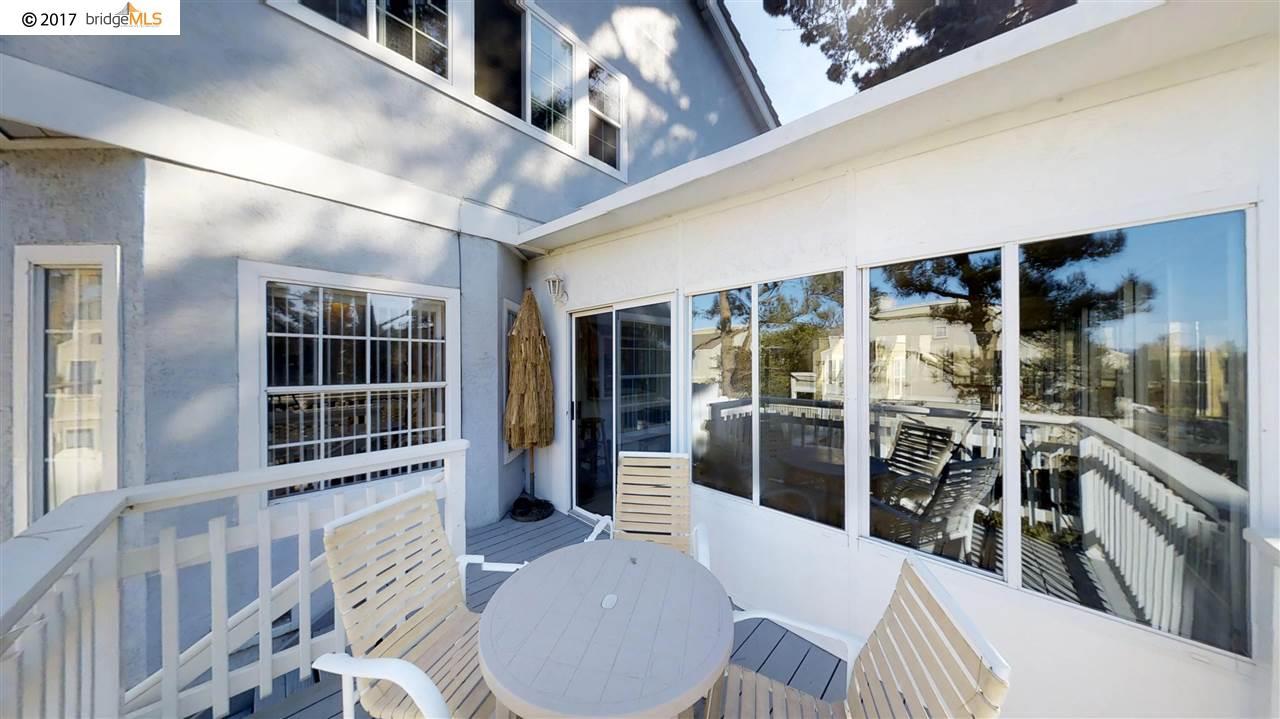 Maison unifamiliale pour l Vente à 367 Hemleb Court 367 Hemleb Court Pinole, Californie 94564 États-Unis