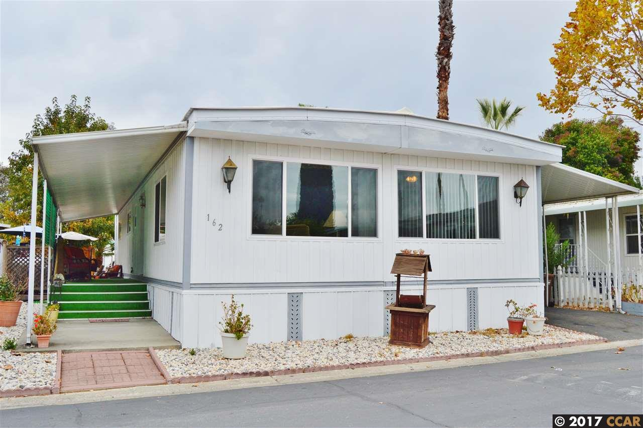 واحد منزل الأسرة للـ Sale في 162 Sahara Drive 162 Sahara Drive Pacheco, California 94553 United States