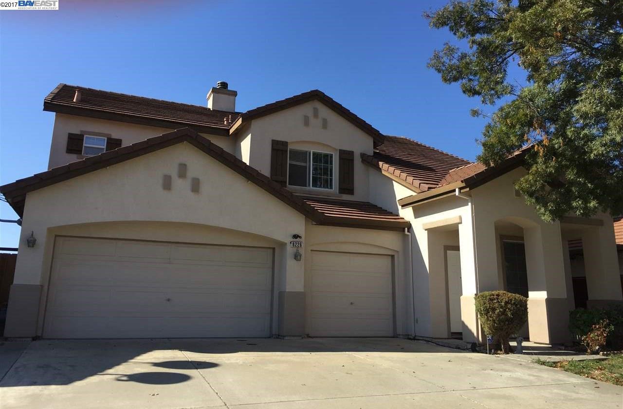 Частный односемейный дом для того Продажа на 8226 Faulkner Way 8226 Faulkner Way Elk Grove, Калифорния 95758 Соединенные Штаты
