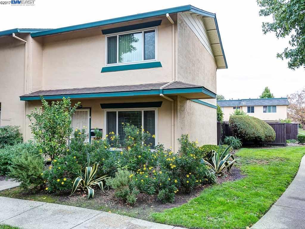 タウンハウス のために 売買 アット 27537 Stromberg Court 27537 Stromberg Court Hayward, カリフォルニア 94545 アメリカ合衆国