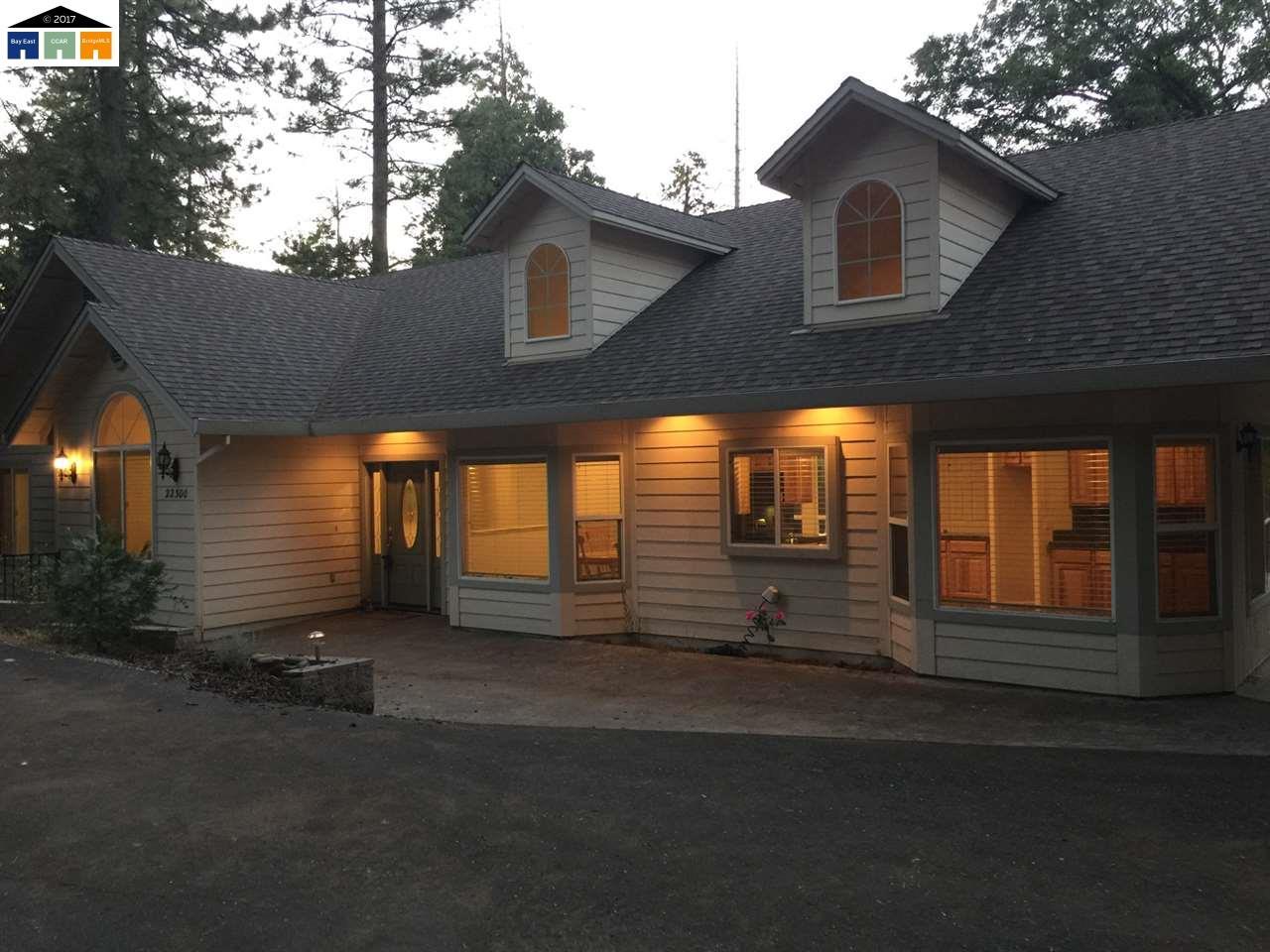 Частный односемейный дом для того Продажа на 22300 Ridge Road 22300 Ridge Road Twain Harte, Калифорния 95383 Соединенные Штаты