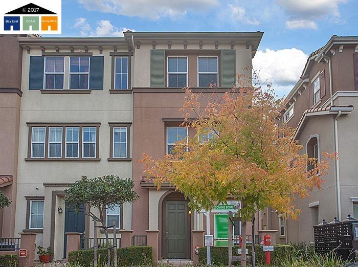 多棟聯建住宅 為 出售 在 123 Burbank Street 123 Burbank Street Hayward, 加利福尼亞州 94541 美國