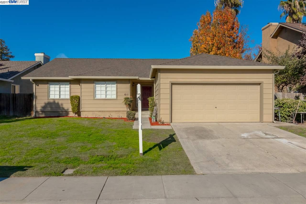 Single Family Home for Sale at 611 Jonquil 611 Jonquil Lathrop, California 95330 United States