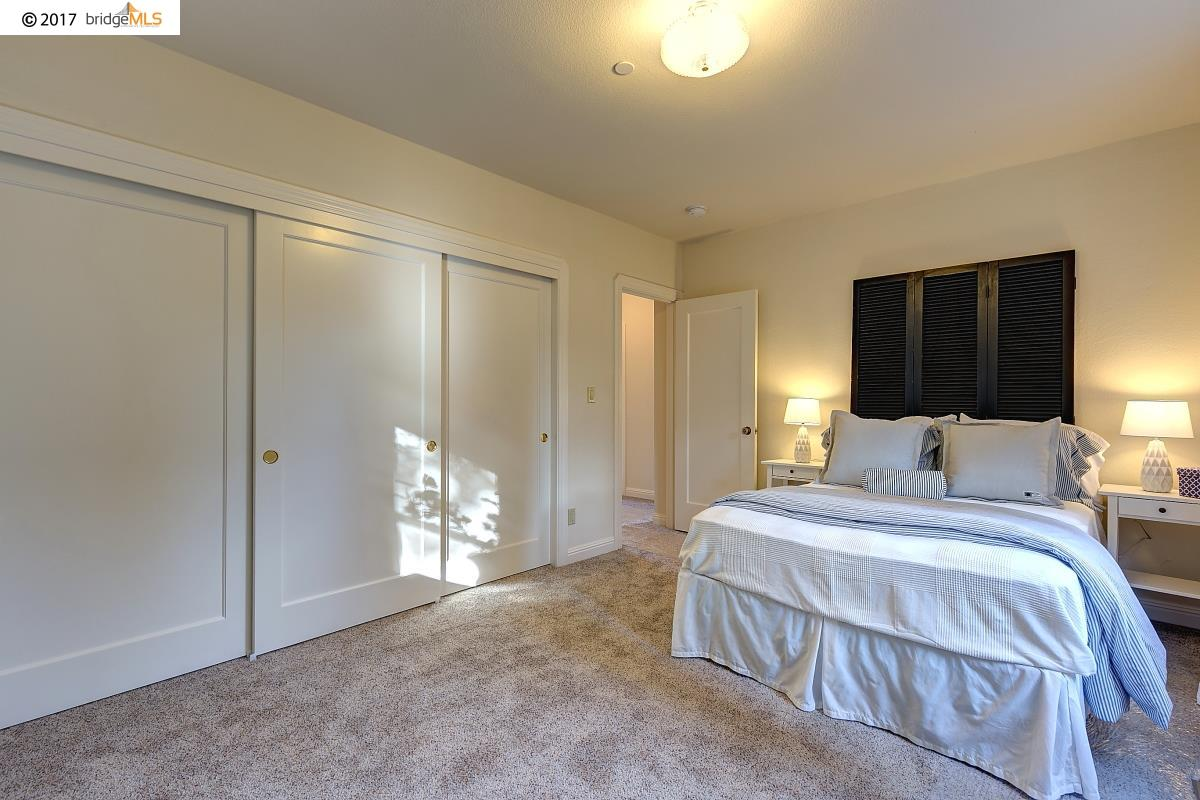 Additional photo for property listing at 817 51st Street 817 51st Street Oakland, California 94608 United States