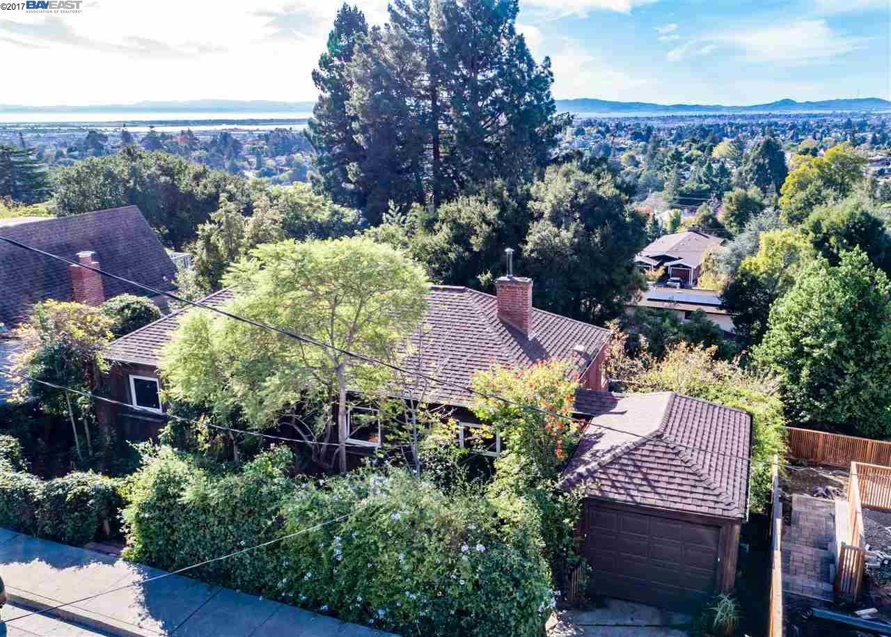 Casa Unifamiliar por un Venta en 4633 Davenport Avenue 4633 Davenport Avenue Oakland, California 94619 Estados Unidos