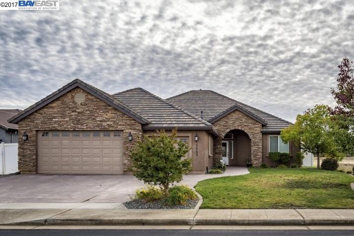 Single Family Home for Sale at 3968 Thomason Trail 3968 Thomason Trail Redding, California 96002 United States