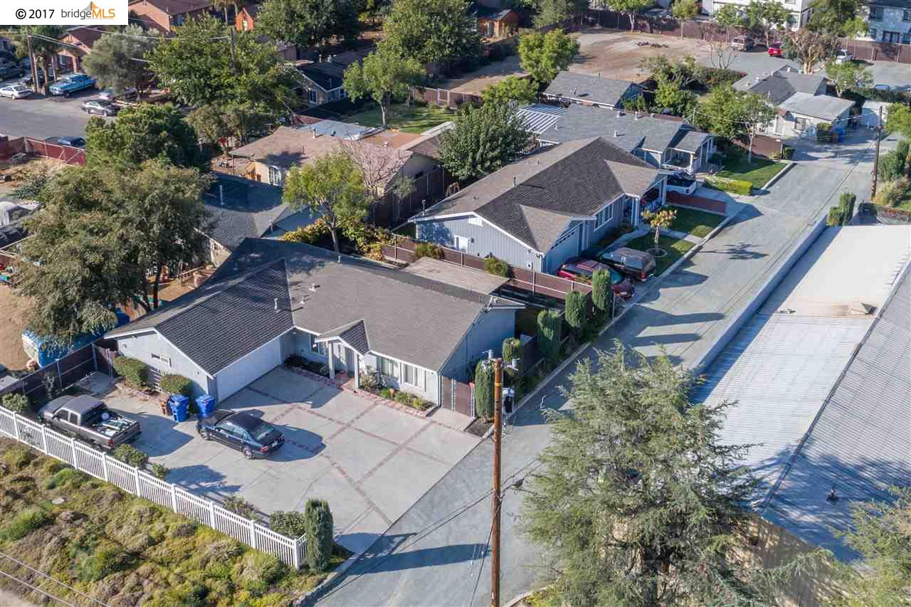 Multi-Family Home for Sale at 6903 Brentwood Blvd. 6903 Brentwood Blvd. Brentwood, California 94513 United States