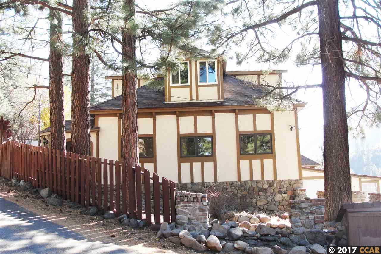 Maison unifamiliale pour l Vente à 22153 Spruce Street 22153 Spruce Street Floriston, Californie 96111 États-Unis