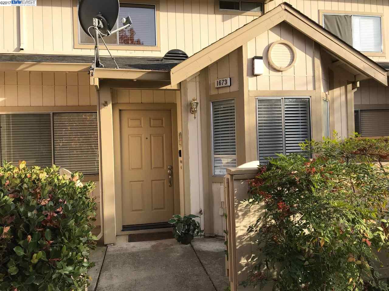 Townhouse for Sale at 1673 Paseo Laguna Seco 1673 Paseo Laguna Seco Livermore, California 94551 United States