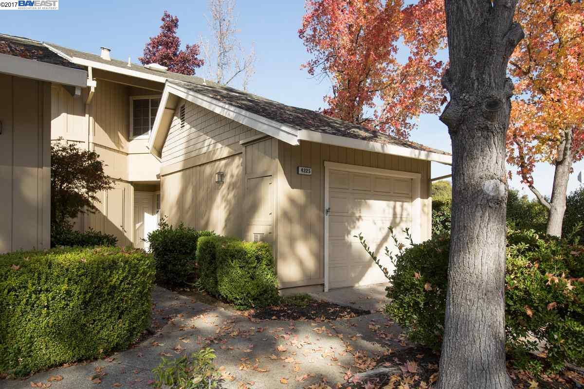 Таунхаус для того Продажа на 4225 Sheldon Circle 4225 Sheldon Circle Pleasanton, Калифорния 94588 Соединенные Штаты