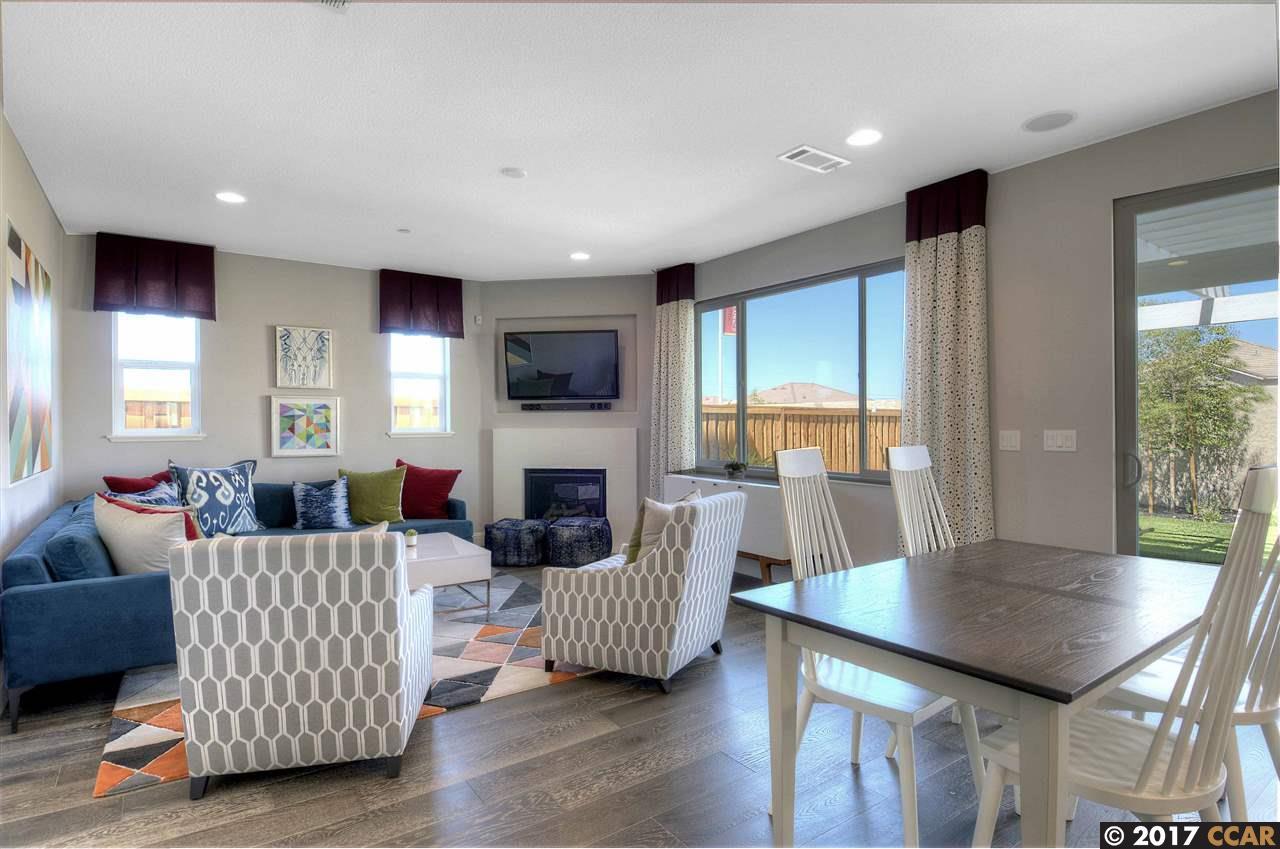 Einfamilienhaus für Verkauf beim 2940 Rio Seco Drive 2940 Rio Seco Drive Pittsburg, Kalifornien 94565 Vereinigte Staaten