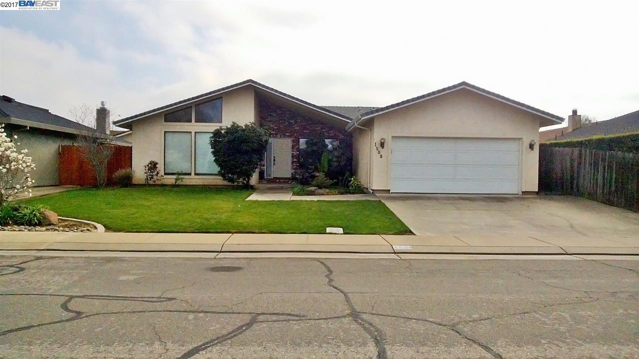 واحد منزل الأسرة للـ Sale في 1508 Keagle Way 1508 Keagle Way Lodi, California 95242 United States
