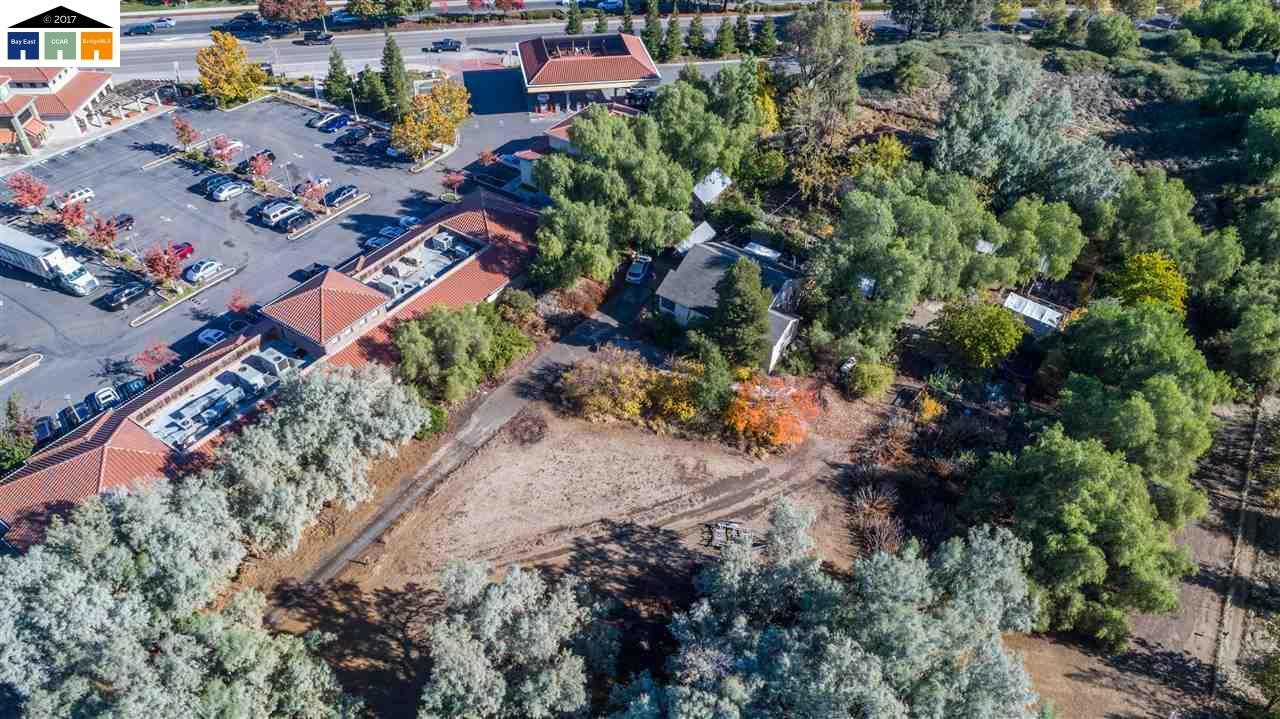 Additional photo for property listing at 4655 Golf Course Road 4655 Golf Course Road Antioch, California 94531 Estados Unidos