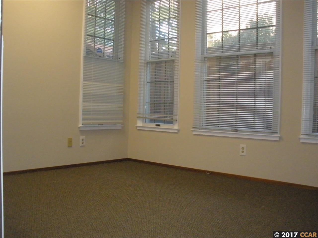 Additional photo for property listing at 1866 Clayton Road 1866 Clayton Road Concord, カリフォルニア 94520 アメリカ合衆国