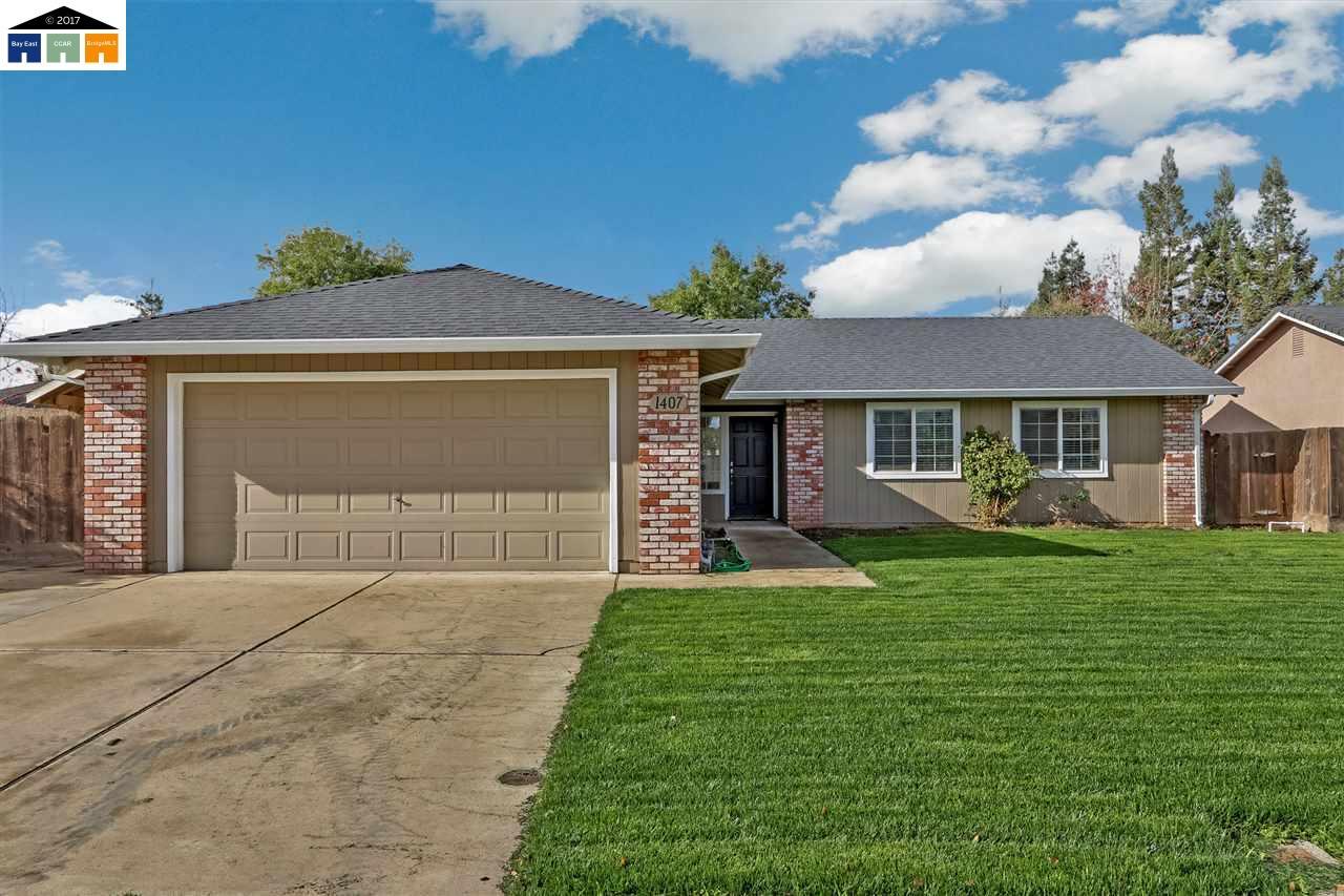 Einfamilienhaus für Verkauf beim 1407 Walnut Avenue 1407 Walnut Avenue Escalon, Kalifornien 95320 Vereinigte Staaten