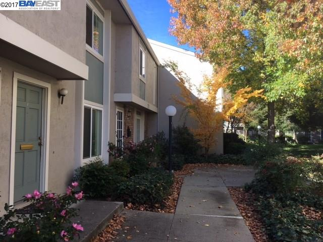 Townhouse for Sale at 1211 Pine Creek Way 1211 Pine Creek Way Concord, California 94520 United States