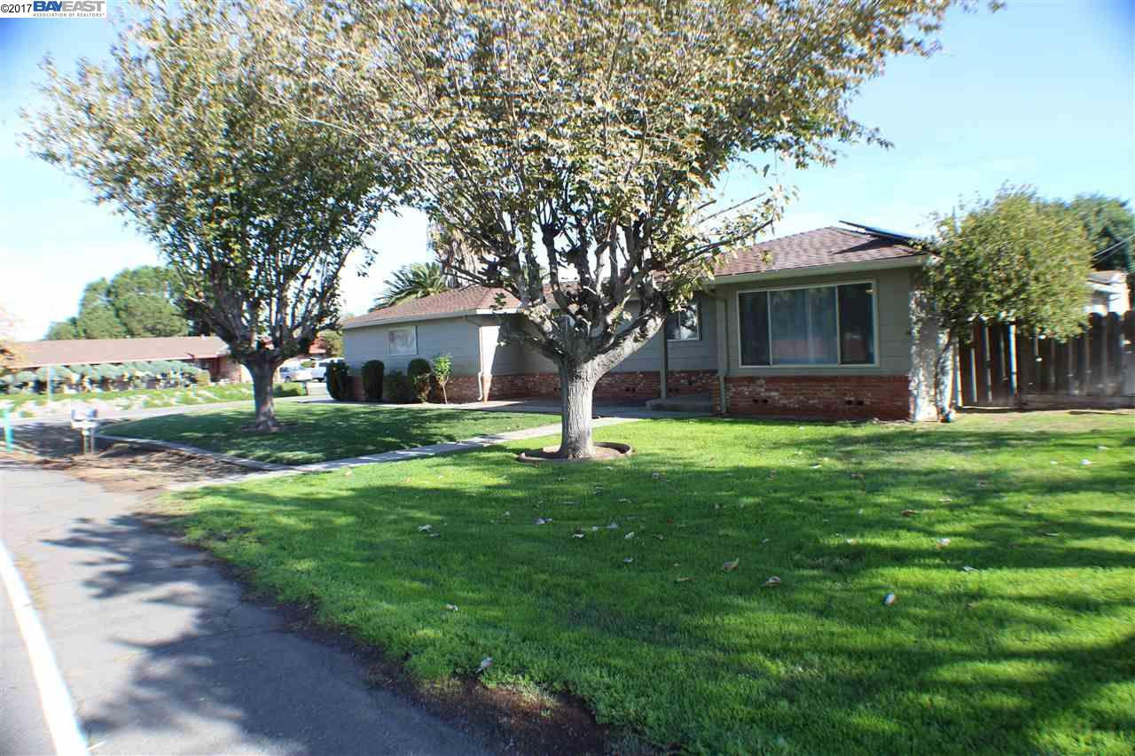 Single Family Home for Sale at 22992 Currier Drive 22992 Currier Drive Tracy, California 95304 United States