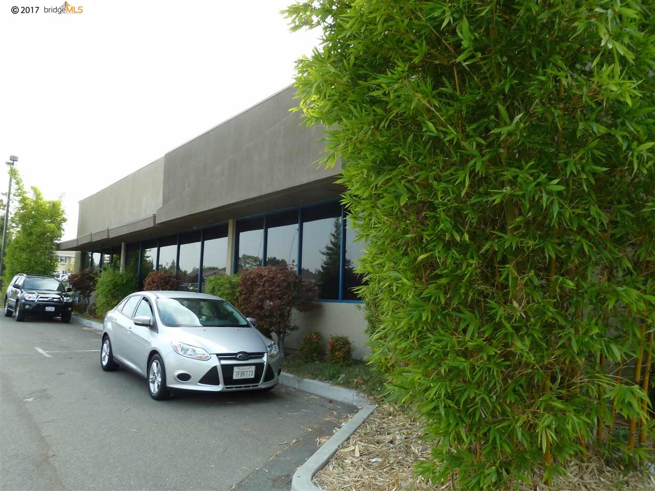 Additional photo for property listing at 4106 Lone Tree Way 4106 Lone Tree Way Antioch, California 94531 Estados Unidos