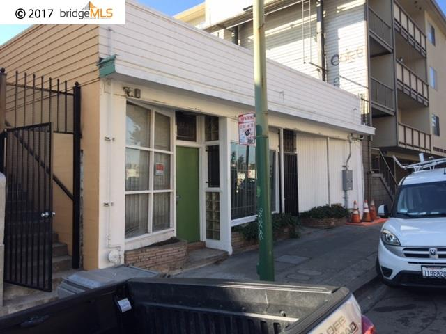 Single Family Home for Rent at 2433 Macarthur Blvd 2433 Macarthur Blvd Oakland, California 94602 United States