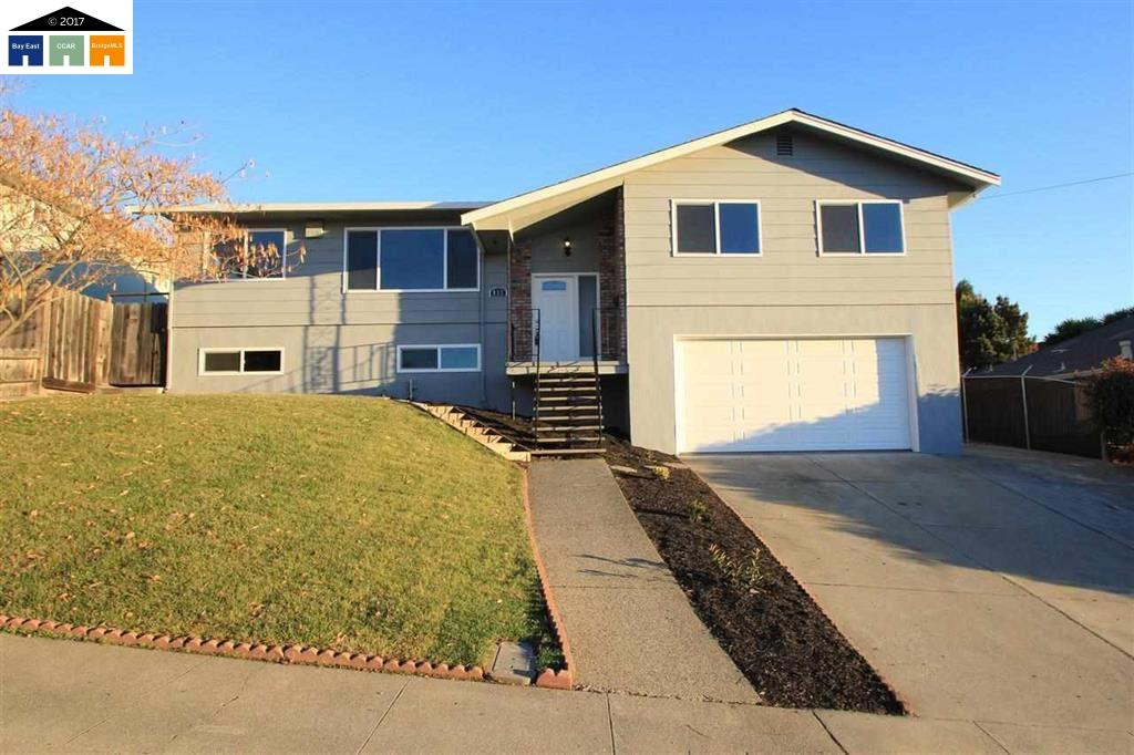Частный односемейный дом для того Продажа на 837 Spruce Court 837 Spruce Court Rodeo, Калифорния 94572 Соединенные Штаты