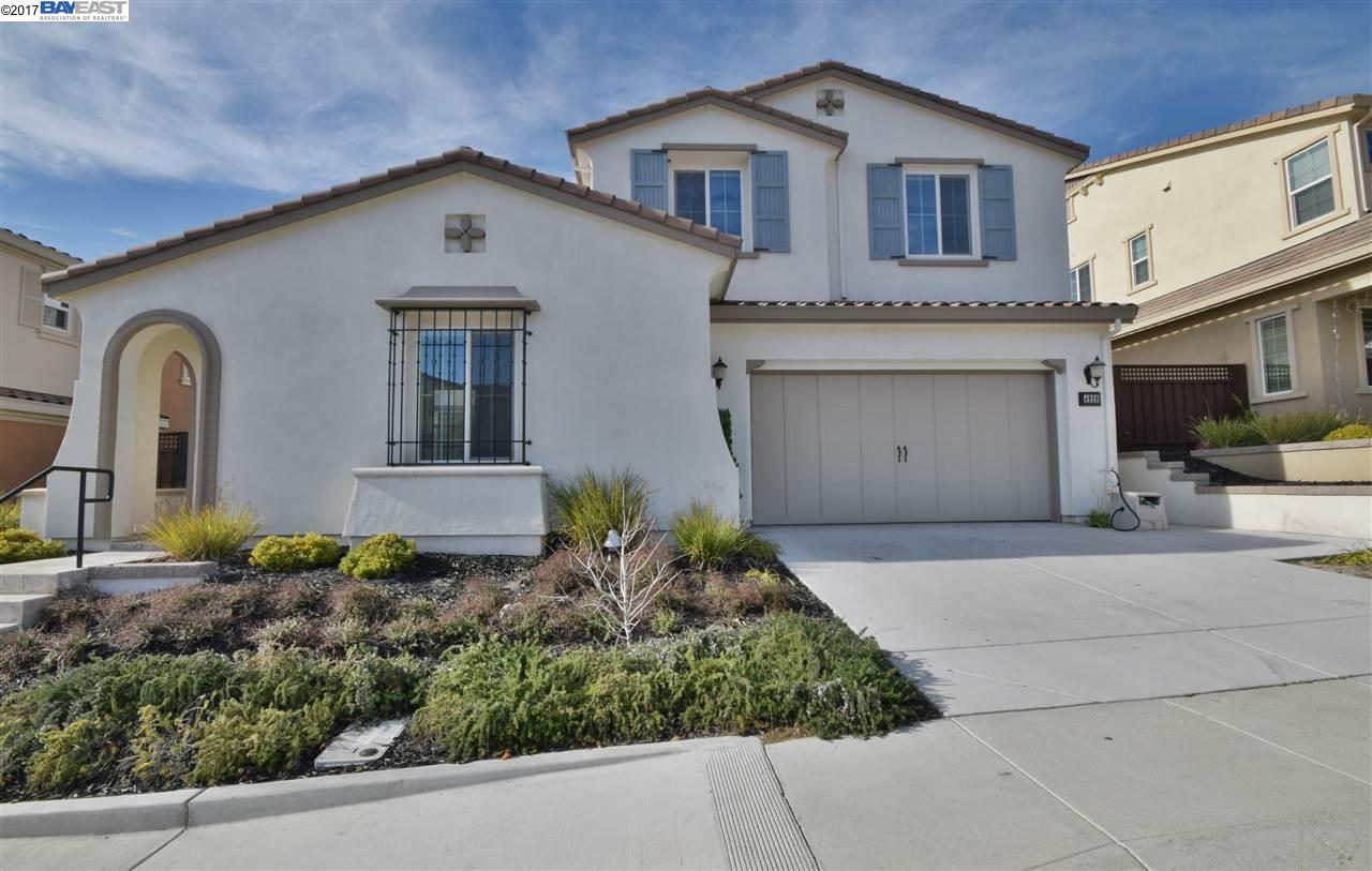 Частный односемейный дом для того Продажа на 4928 Volterra Drive 4928 Volterra Drive Dublin, Калифорния 94568 Соединенные Штаты