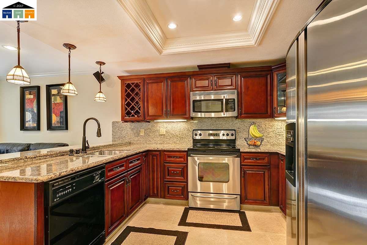 一戸建て のために 売買 アット 5242 Gately Avenue 5242 Gately Avenue Richmond, カリフォルニア 94804 アメリカ合衆国