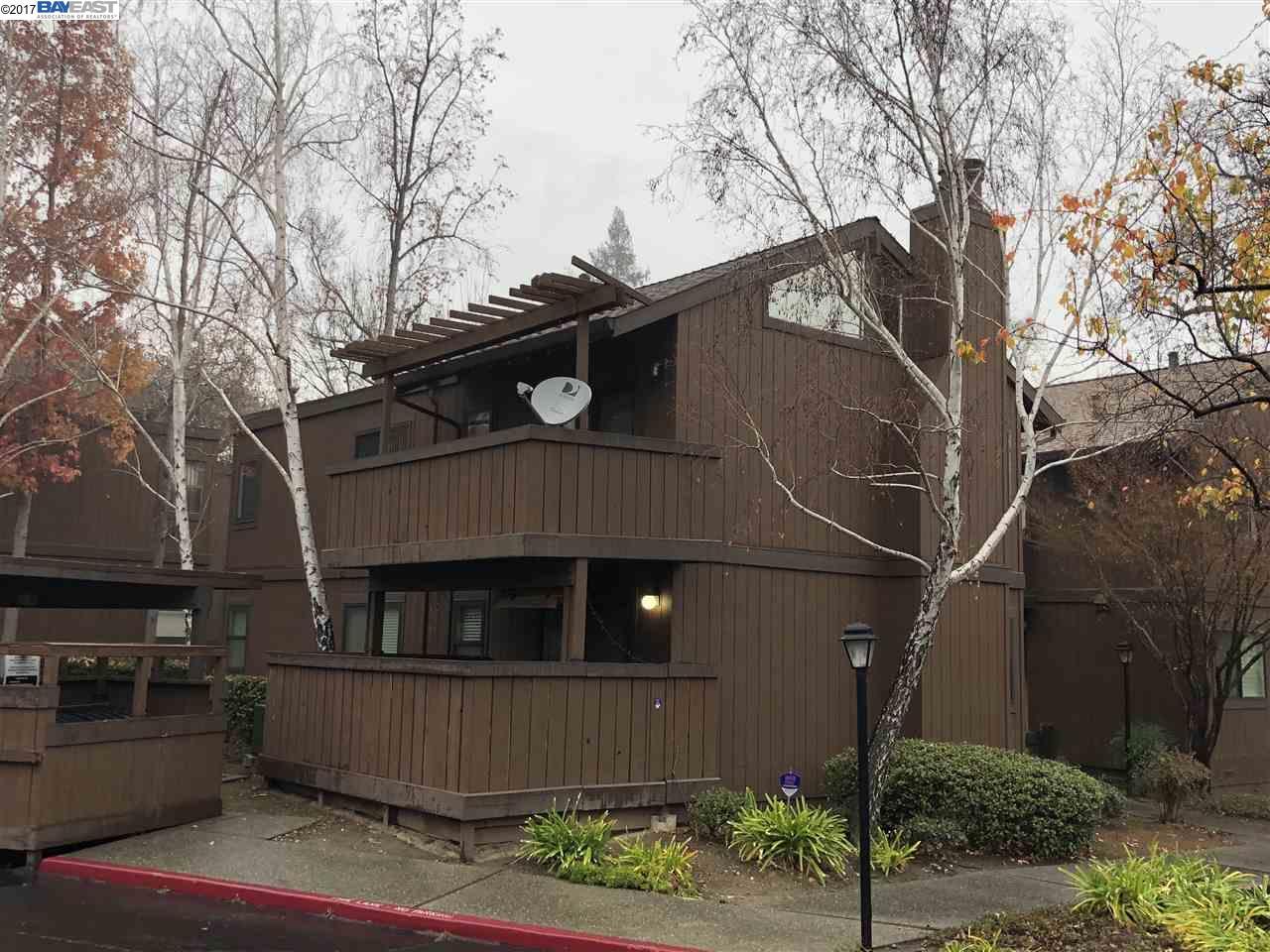 コンドミニアム のために 賃貸 アット 851 Camelback Place 851 Camelback Place Pleasant Hill, カリフォルニア 94523 アメリカ合衆国