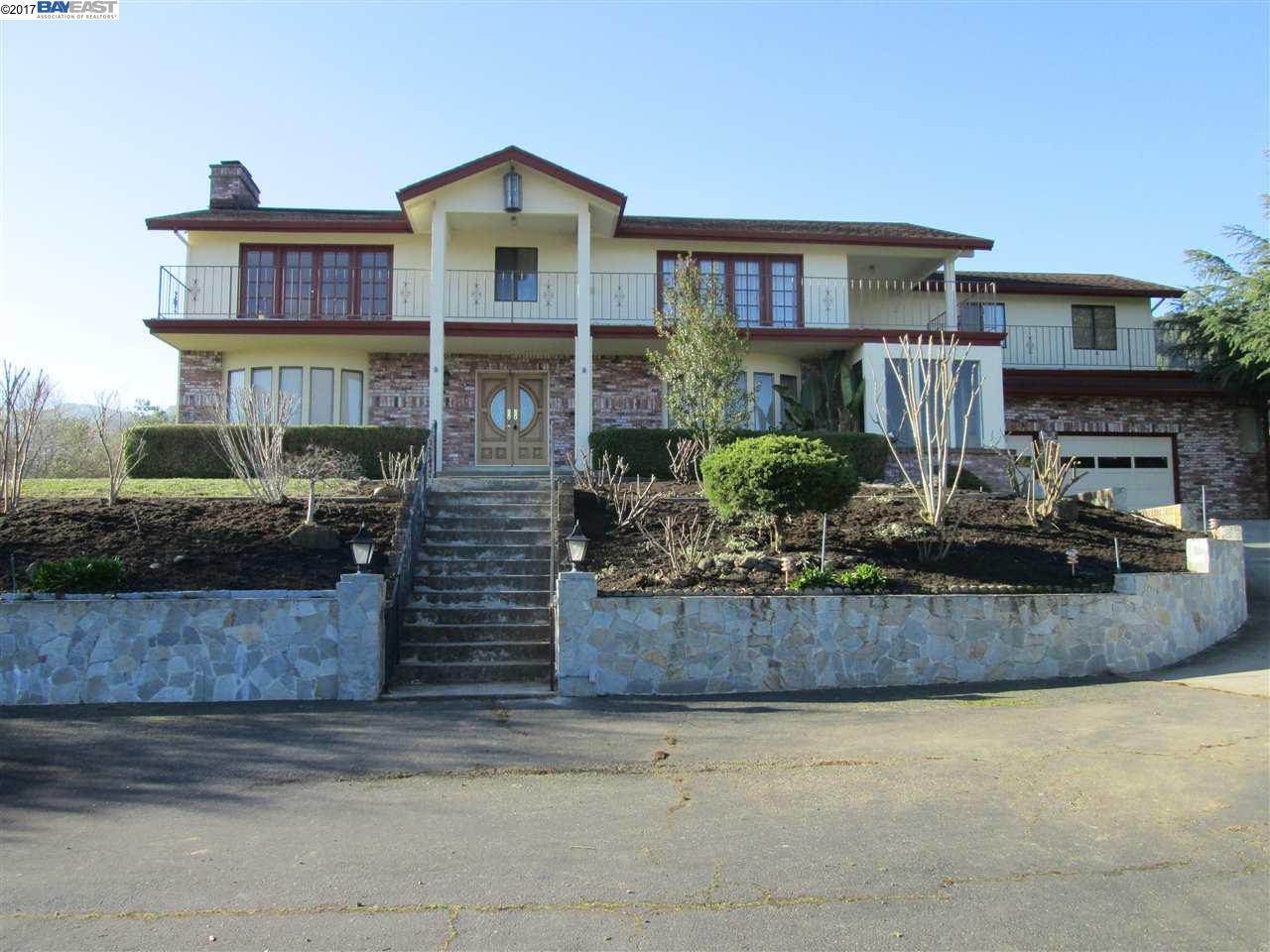 Casa Unifamiliar por un Alquiler en 5130 Foothill Road 5130 Foothill Road Pleasanton, California 94588 Estados Unidos