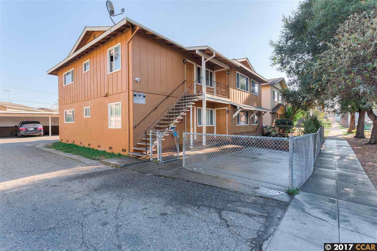 متعددة للعائلات الرئيسية للـ Sale في 3074 Pearl Avenue 3074 Pearl Avenue San Jose, California 95136 United States