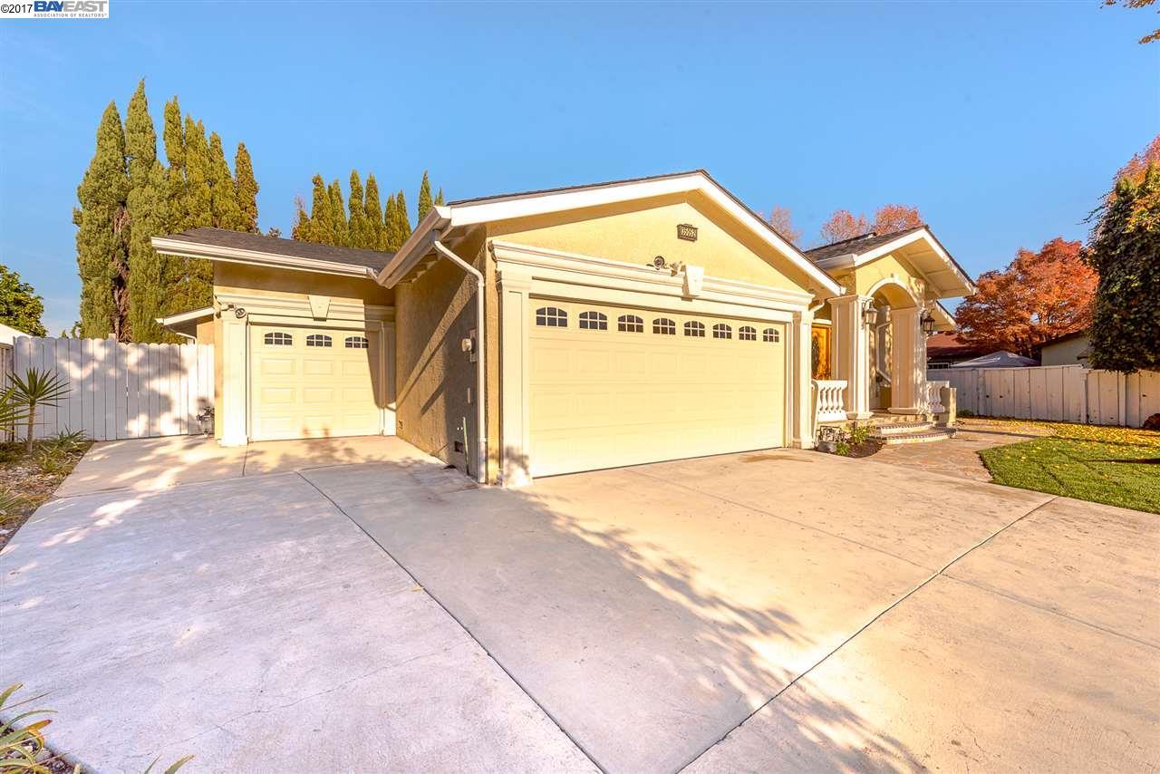 獨棟家庭住宅 為 出售 在 35052 Hollyhock Street 35052 Hollyhock Street Union City, 加利福尼亞州 94587 美國