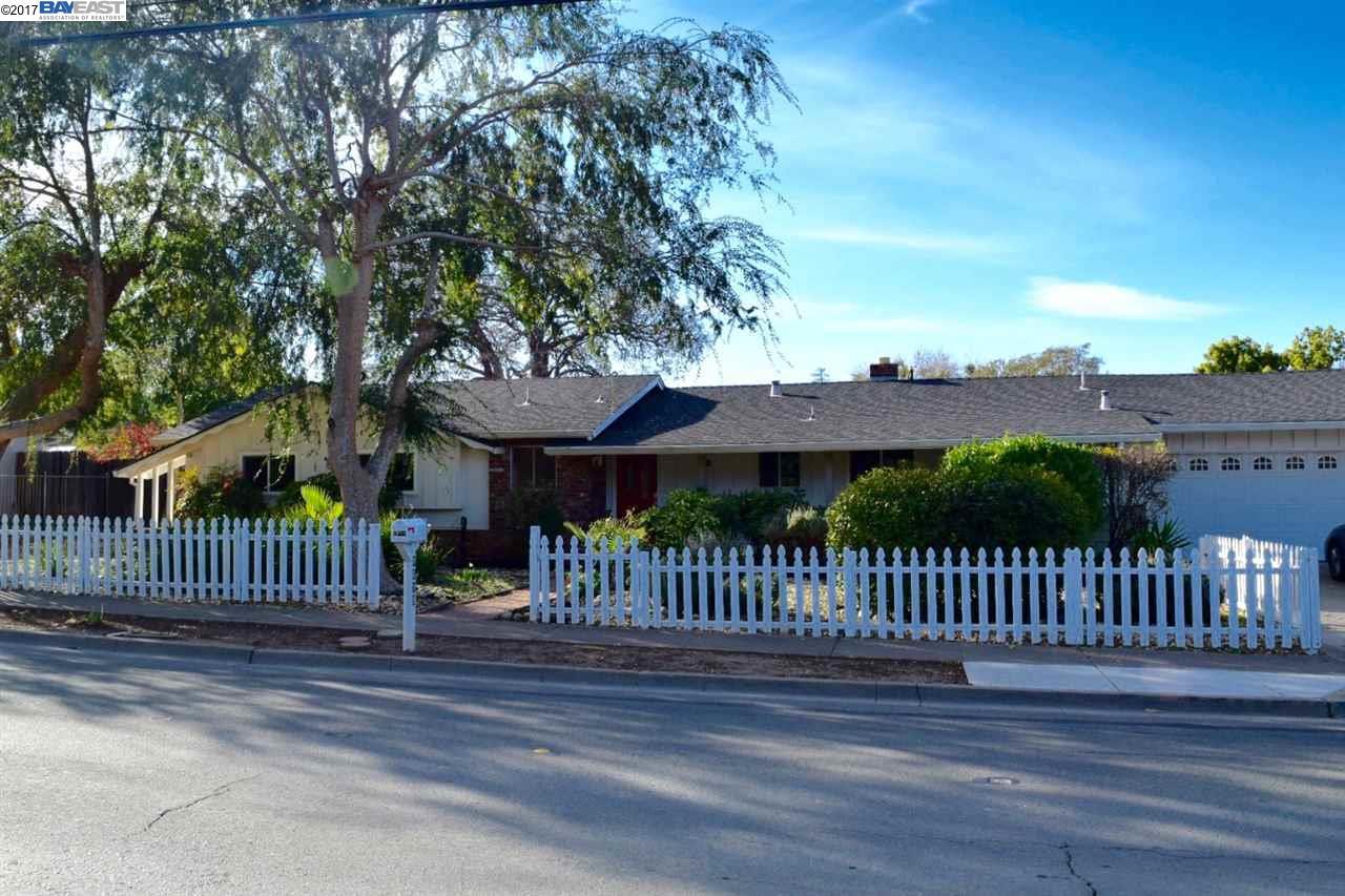 Maison unifamiliale pour l Vente à 1019 Mitchell Canyon Road 1019 Mitchell Canyon Road Clayton, Californie 94517 États-Unis