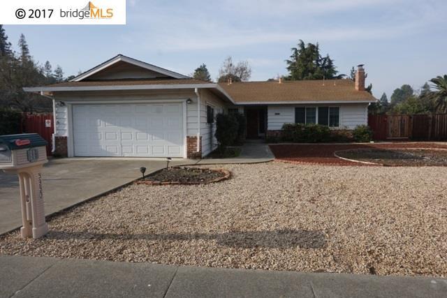 Maison unifamiliale pour l Vente à 5950 Cardinet Drive 5950 Cardinet Drive Clayton, Californie 94517 États-Unis