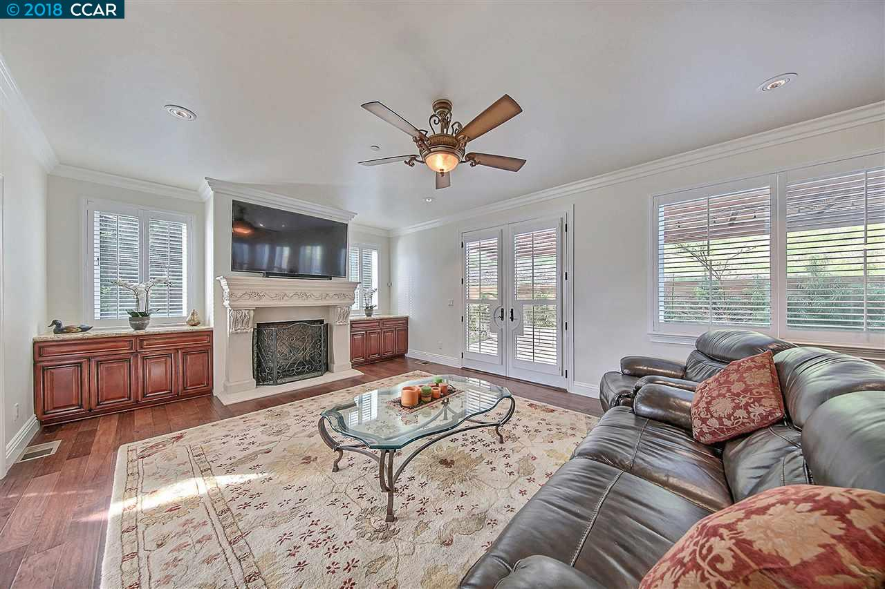 Additional photo for property listing at 40 Sugarloaf Ter 40 Sugarloaf Ter Alamo, California 94507 United States