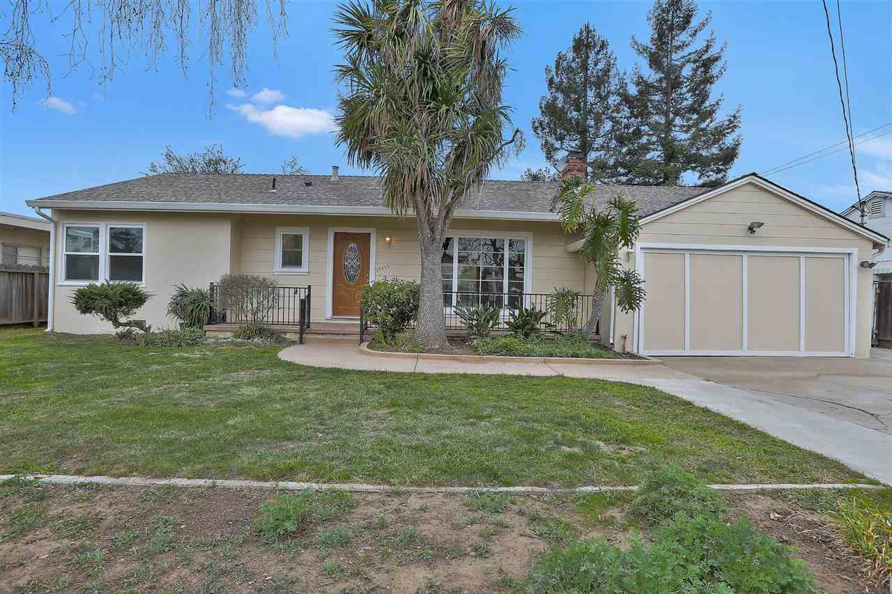 Single Family Home for Sale at 19559 Parsons Avenue 19559 Parsons Avenue Castro Valley, California 94546 United States