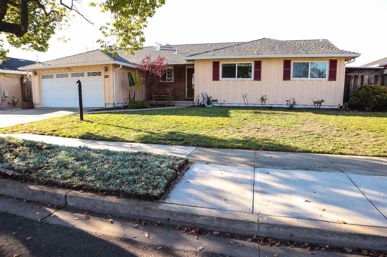 Maison unifamiliale pour l Vente à 38285 Granville Drive 38285 Granville Drive Fremont, Californie 94536 États-Unis