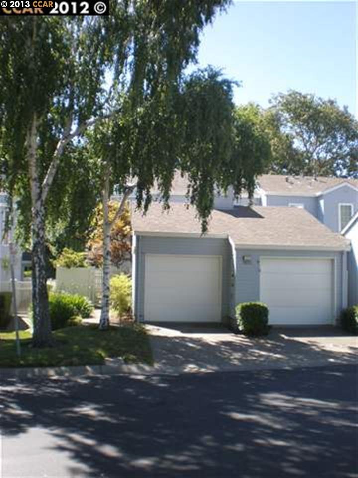 Casa unifamiliar adosada (Townhouse) por un Alquiler en 7822 CREEKSIDE Drive 7822 CREEKSIDE Drive Pleasanton, California 94588 Estados Unidos